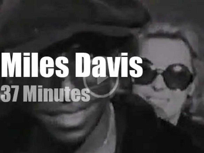 Miles Davis attends a Portuguese festival (1971)