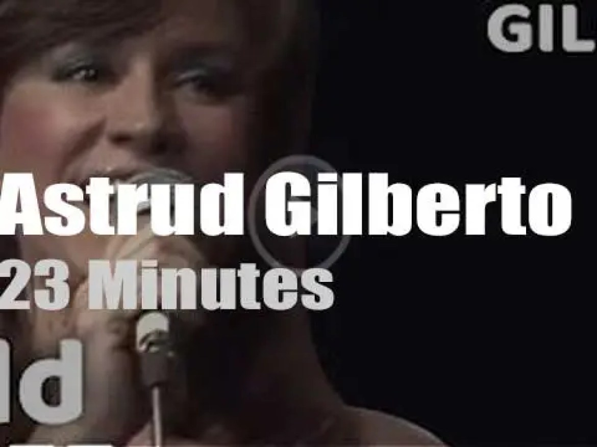 Astrud Gilberto guests with The Skymasters (1982)