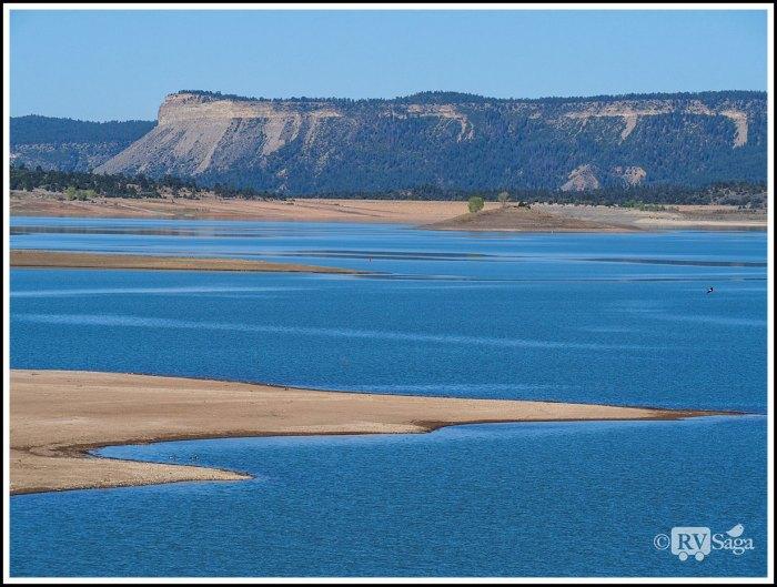 Mesas-and-Heron-Lake