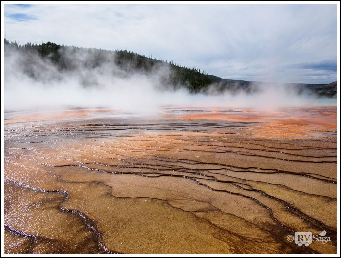 Colorful-Runoff-Channels-of-Grand-Prismatic-Spring