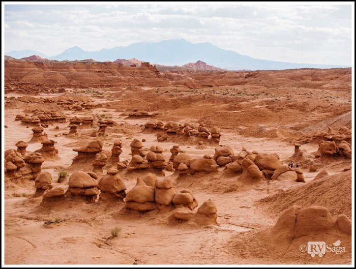 Overlooking-Goblin-Valley