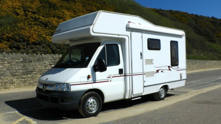 Insuring Your Everyday Car and Motorhome on the Same Policy