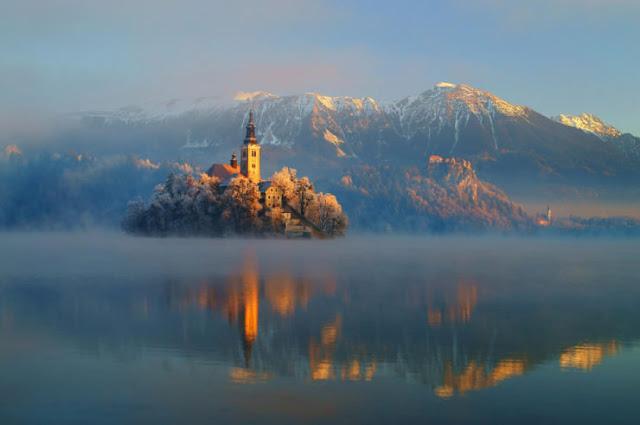 بحيرة بليد في سلوفينيا طبيعة ساحرة تخطف الألباب