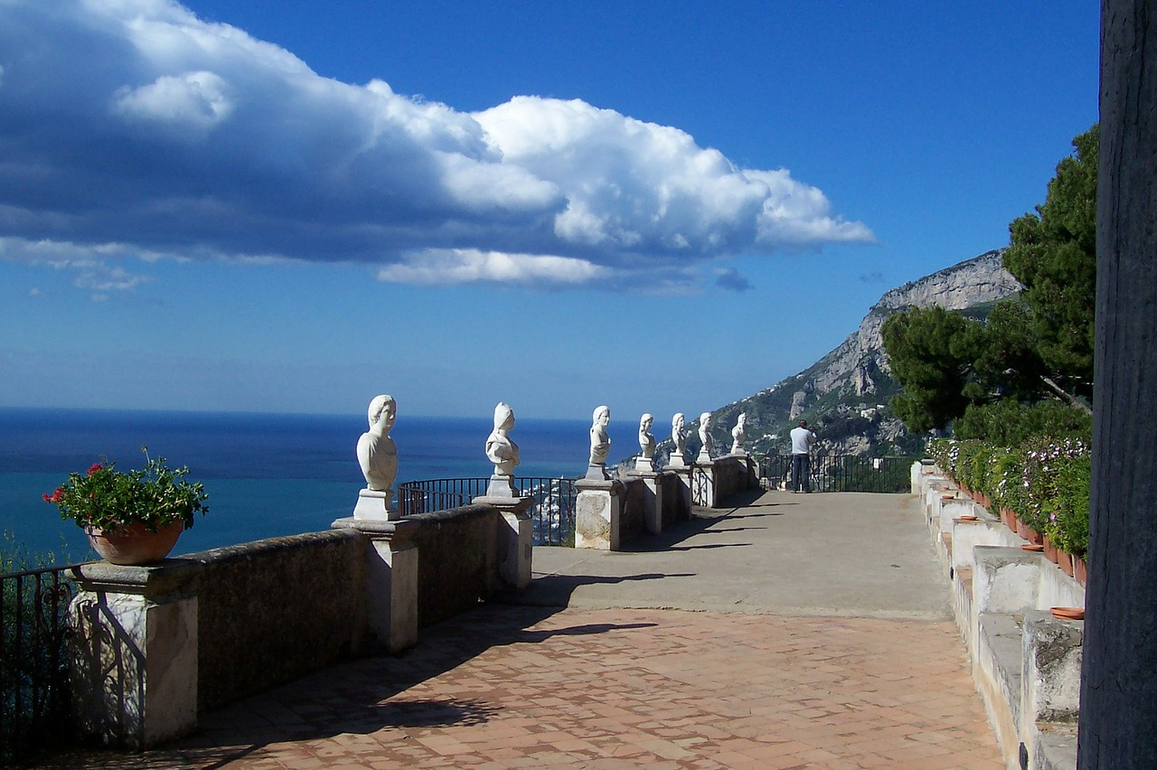 مدن ساحلية في إيطاليا