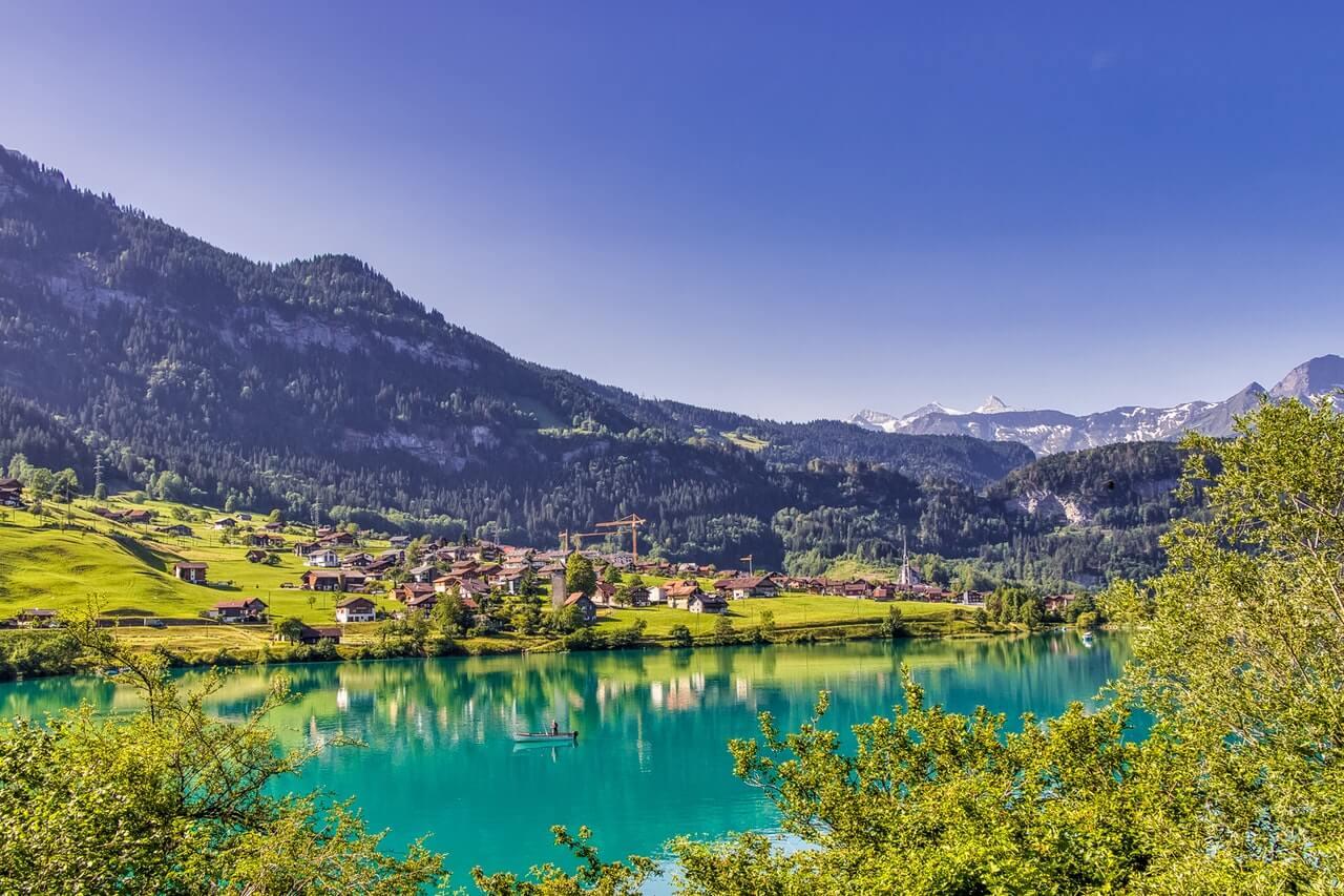 أجمل 10 مدن سياحية يمكن زيارتها في سويسرا
