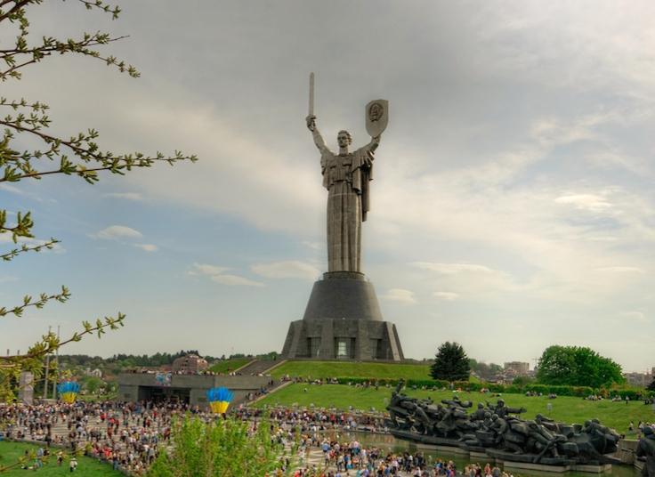 أكبر التماثيل