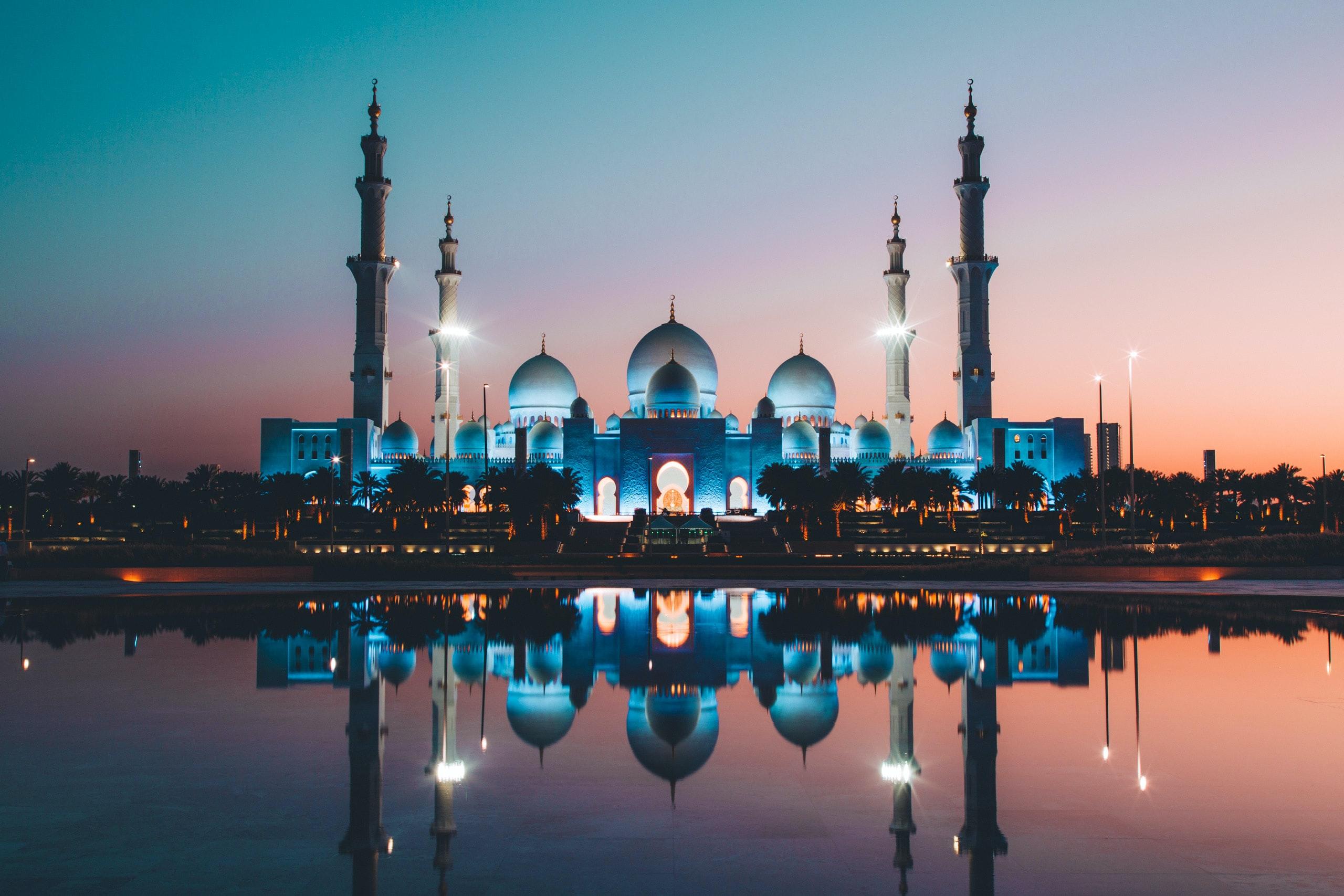 عجائب معمارية مذهلة في أبو ظبي