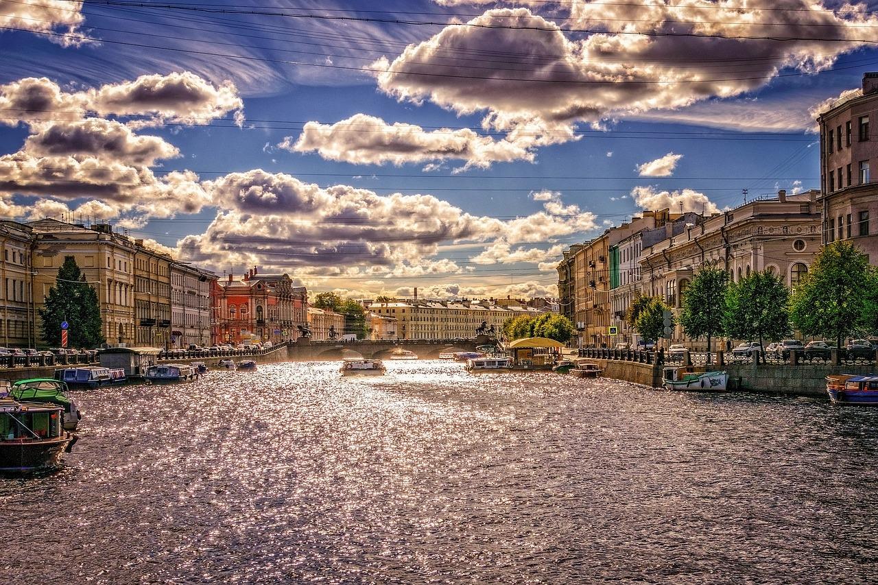 حقائق مثيرة للاهتمام عن سان بطرسبورغ في روسيا