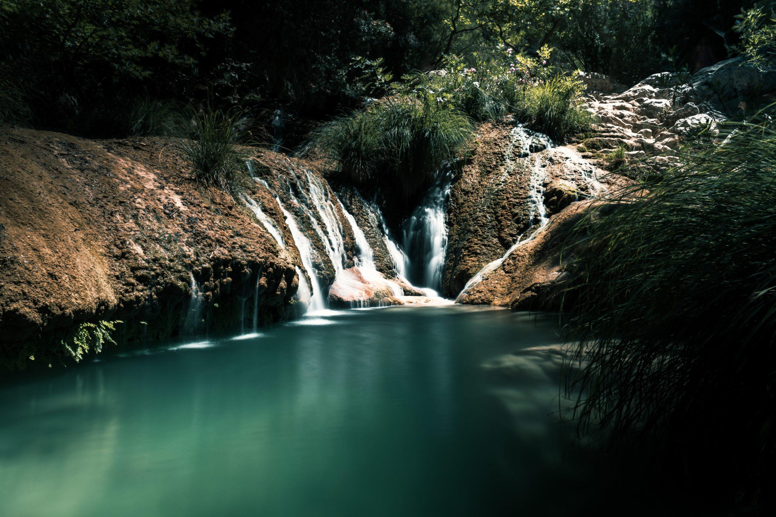 أجمل العجائب الطبيعية الفريدة والمذهلة في اليونان