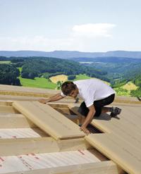 Holzfaserdämmung schützt vor Sommerhitze