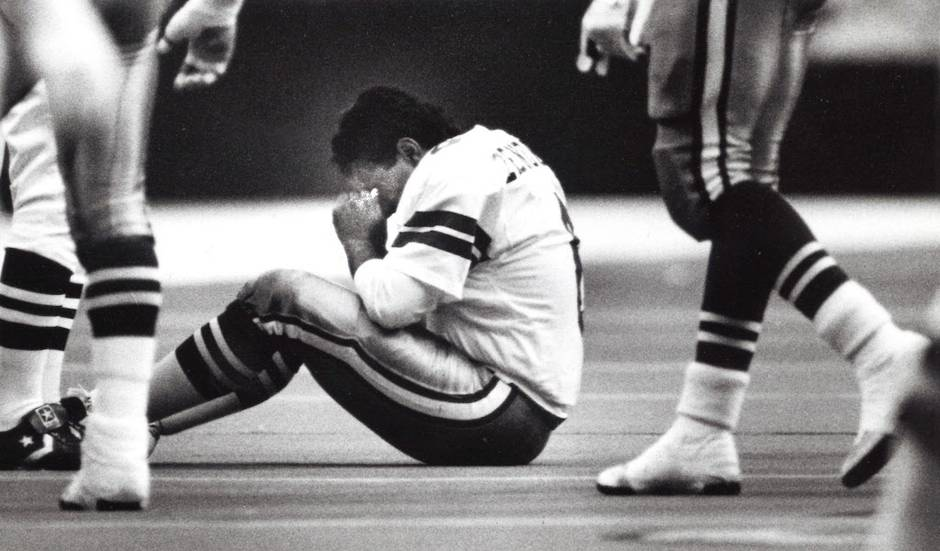Dallas place-kicker Luis Zendejas was seeing stars after a hit to the head from Eagles linebacker Jessie Small in the third quarter.