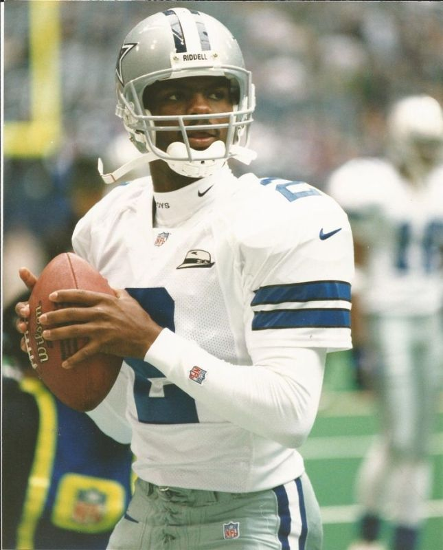 In his final career start with the Cowboys, Anthony Wright led a late scoring drive to nip the Redskins 9-7 on a Monday night in Dallas.