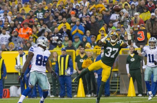 Dez Bryant's mishandled pass that turned into a Green Bay interception on Sunday is indicative of how his entire 2015 season has gone.