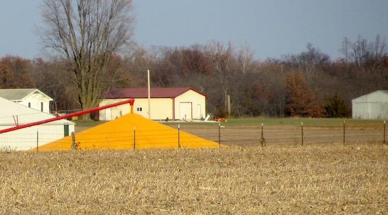 2014-corn-pile