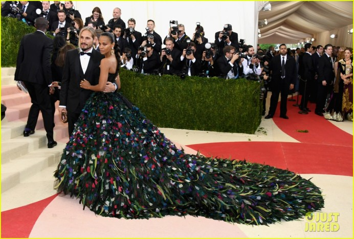 """NEW YORK, NY - MAY 02: Marco Perego (L) and Zoe Saldana attend the """"Manus x Machina: Fashion In An Age Of Technology"""" Costume Institute Gala at Metropolitan Museum of Art on May 2, 2016 in New York City. (Photo by Larry Busacca/Getty Images)"""
