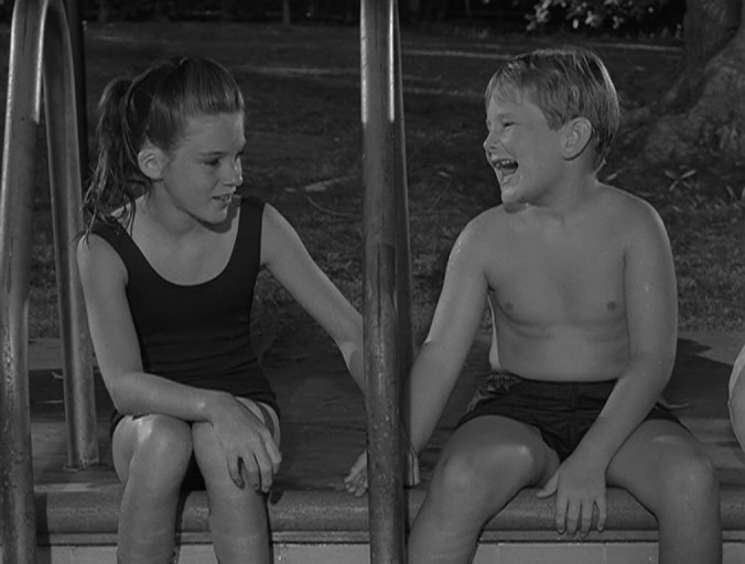 Twilight Zone - The Bewitchin' Pool