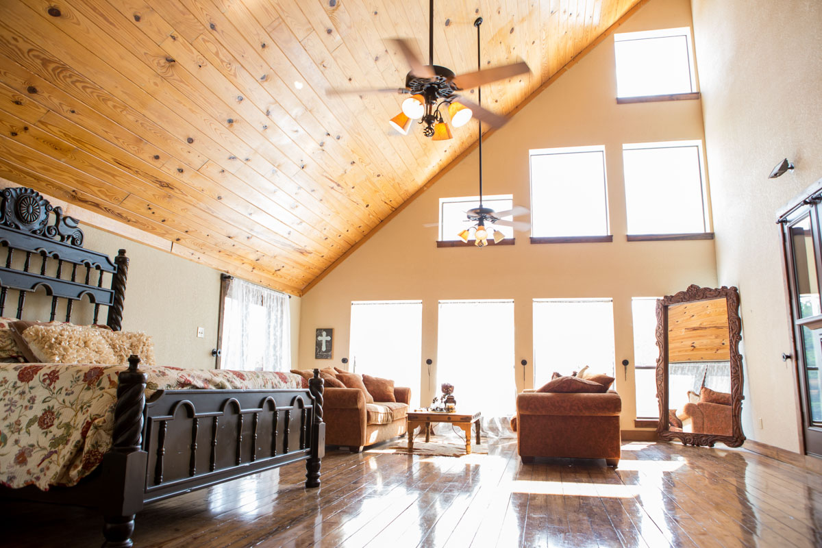 Indoor Pictures, House Pictures, Real Estate, Living Room, Cabin