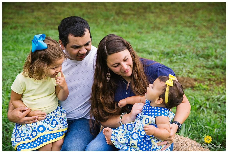 springtime farmhouse barn family shoot_0660.jpg
