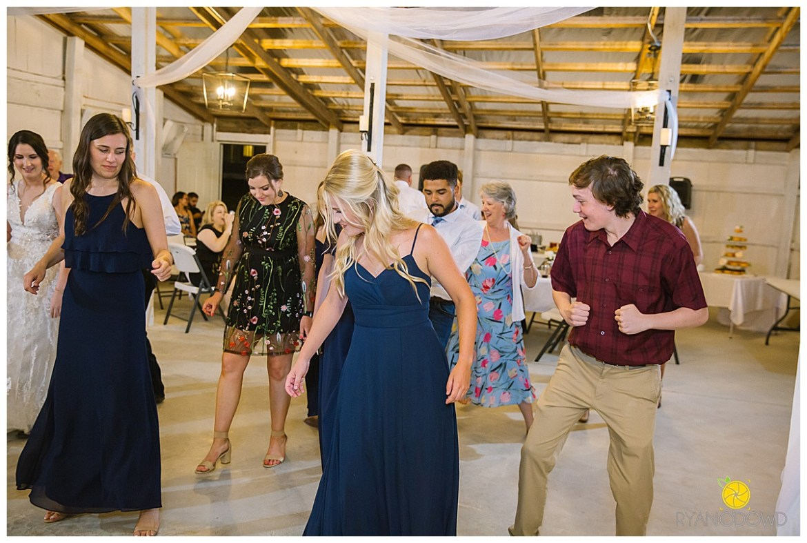 summertime red barn wedding_0771.jpg
