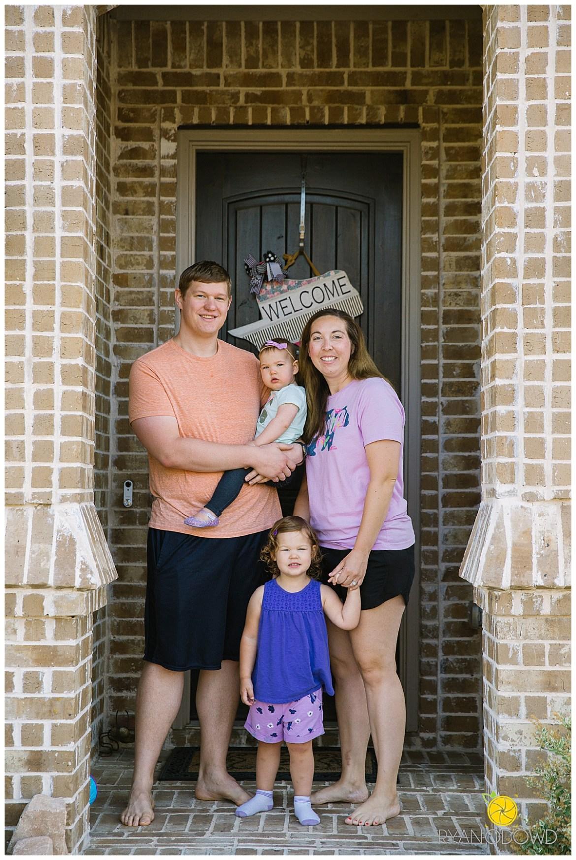 quarantine family porch pictures_1113.jpg