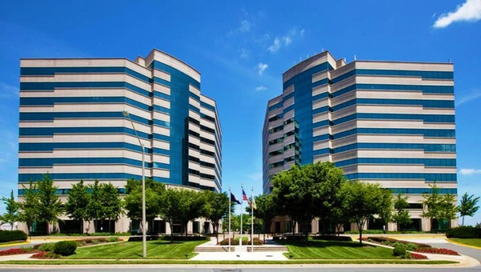 carr_properties-centerpointe_i_and_ii-01-exterior-800x453
