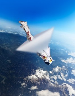 skydiver-felix-baumgartner-breaking-sound-barrier-for-red-bull-stratos