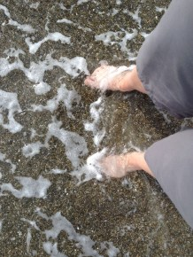 feet in the sea, xmas day