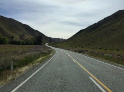 Lindis Pass road