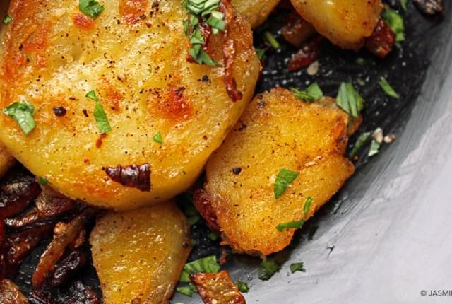Potatoes Lyonnaise - ryeandginger.ca