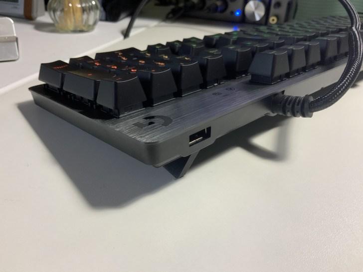 G512 USB充電ポート