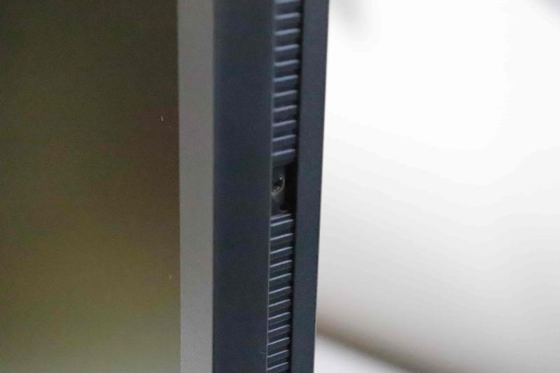 XL2546 アイシールドの取付方法
