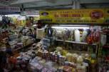 マーケットには、その土地の生活が凝縮されている。活気や匂いからも、伝わってくる。