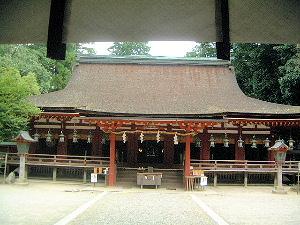楼門 石上神宮の拝殿