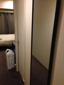 三井ガーデンホテル京都四条の鏡