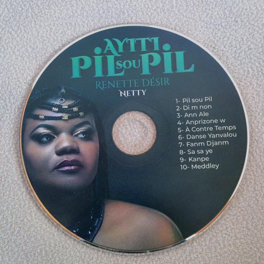 """Cover de l'album """"Ayiti Pil Sou Pil"""" de Renette Désir"""