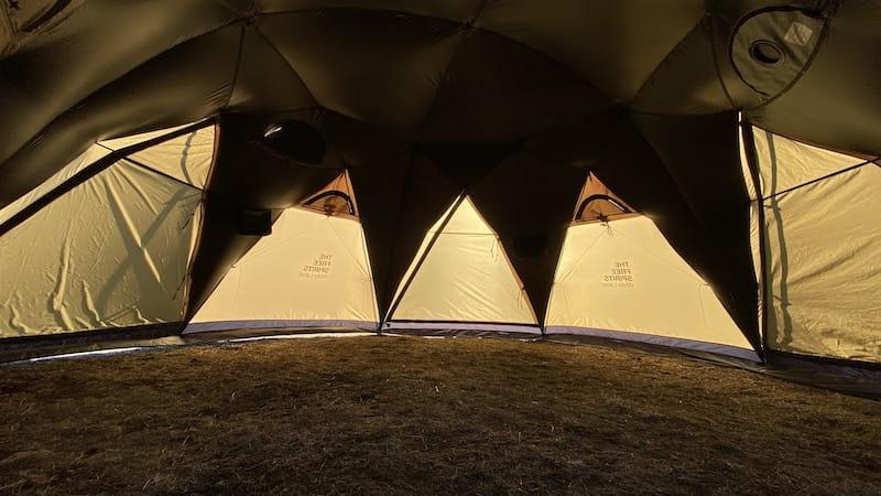 ロボテックドームの内部