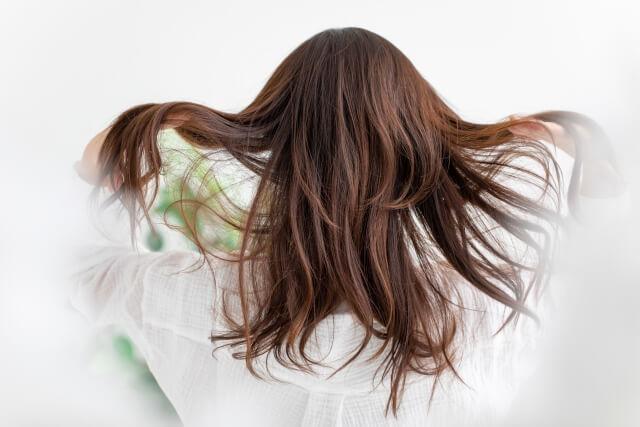 伸び続ける髪の毛