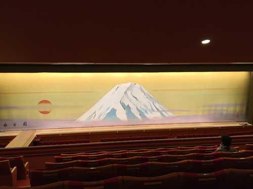 歌舞伎座2階8列18番付近