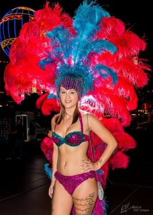 "Las Vegas ""Showgirl"" looking for tourists to pose for tips"