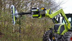 rzt-ltd-agricultural-tractor-saw-cutting