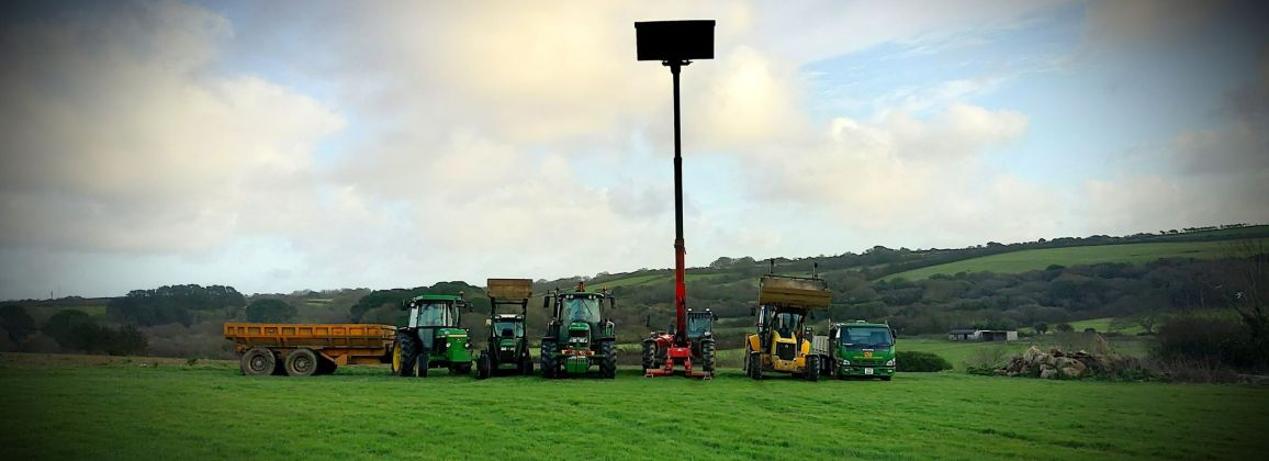 RZT Ltd Plant Hire Cornwall - John Deere Tractors - New Holland Diggers