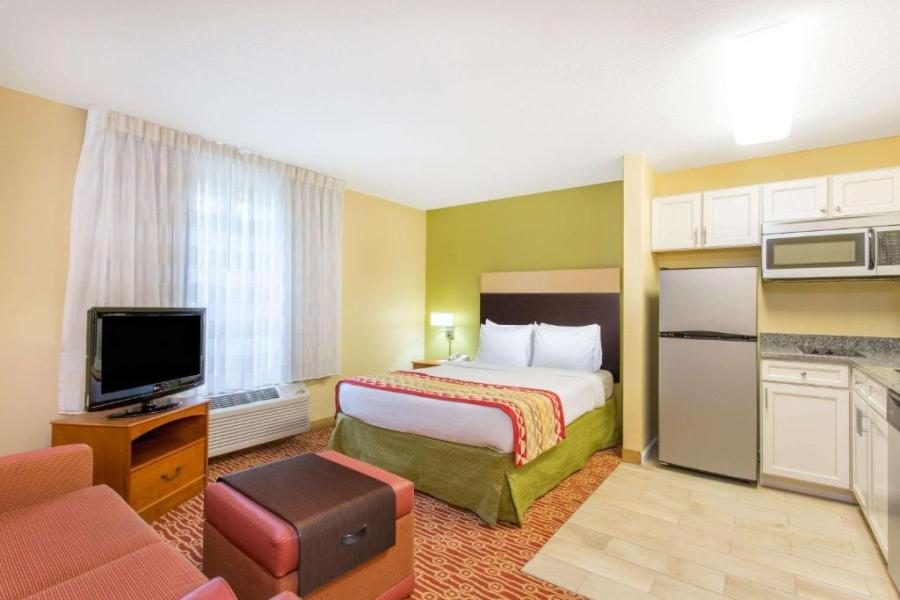 Hotel Hawthorn Suites Sterling Dulles Nor  VA   Booking com     Gallery image of this property