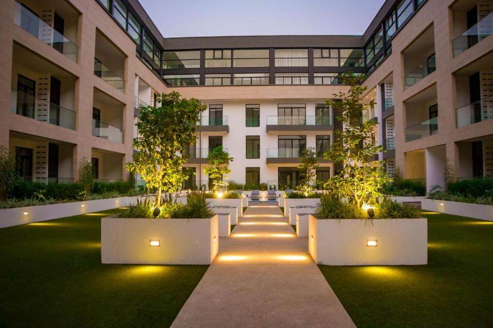 Garden Embassy Hotel  booking.com的圖片搜尋結果