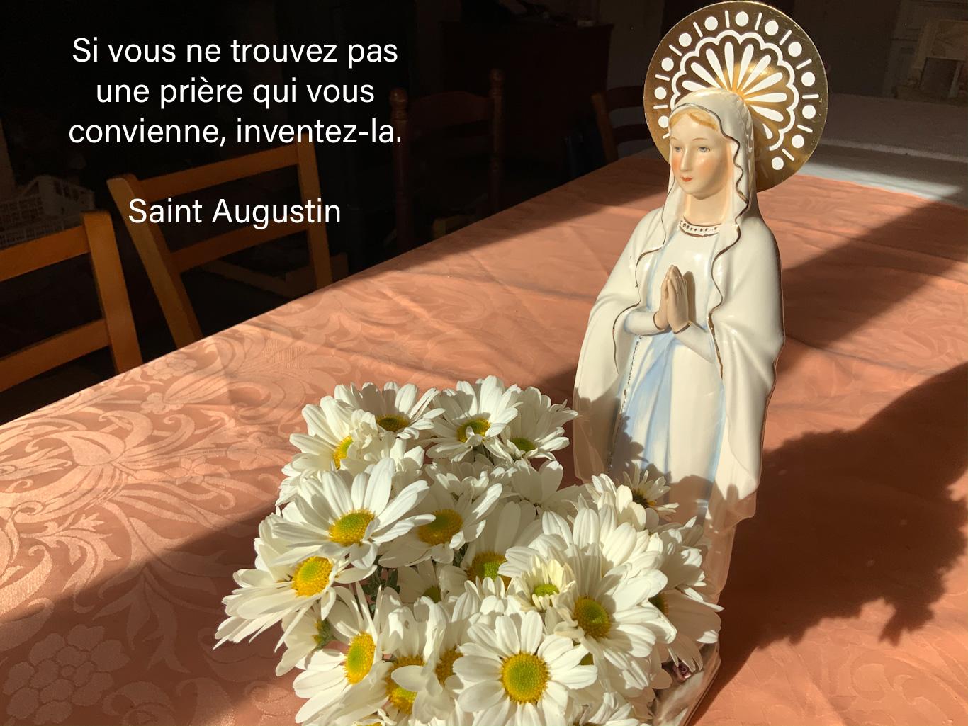 Citation sur la prière, sur une photo de La Vierge Marie