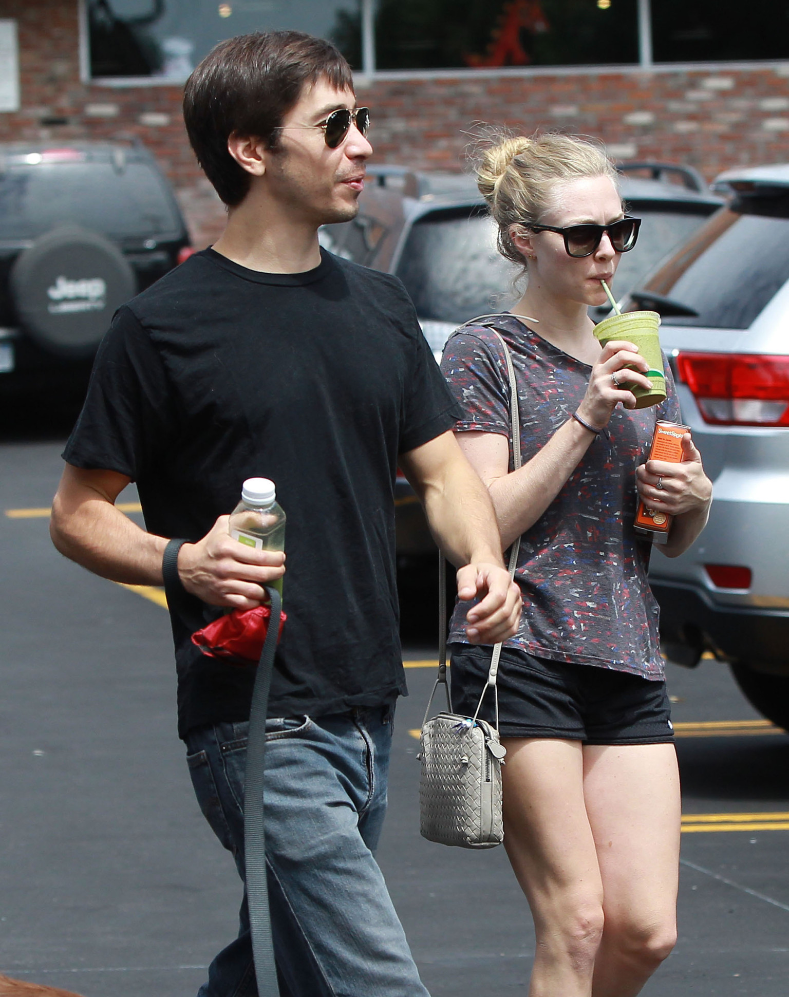 Amanda Seyfried And Justin Long Are Dating At Least It