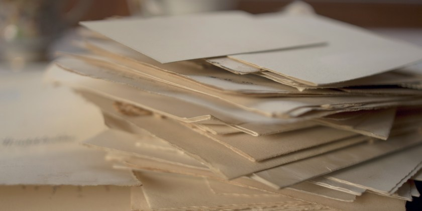 There S Actually A Reason Why Wedding Invites E In Two Envelopes Huffpost