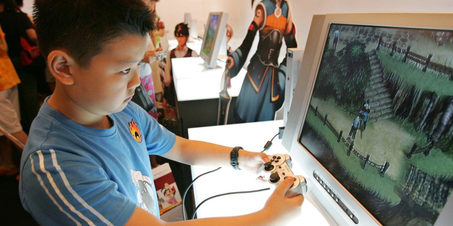 Scientist Discovers The Ideal Amount Of Time Kids Should Spend     Scientist Discovers The Ideal Amount Of Time Kids Should Spend Playing  Video Games   HuffPost