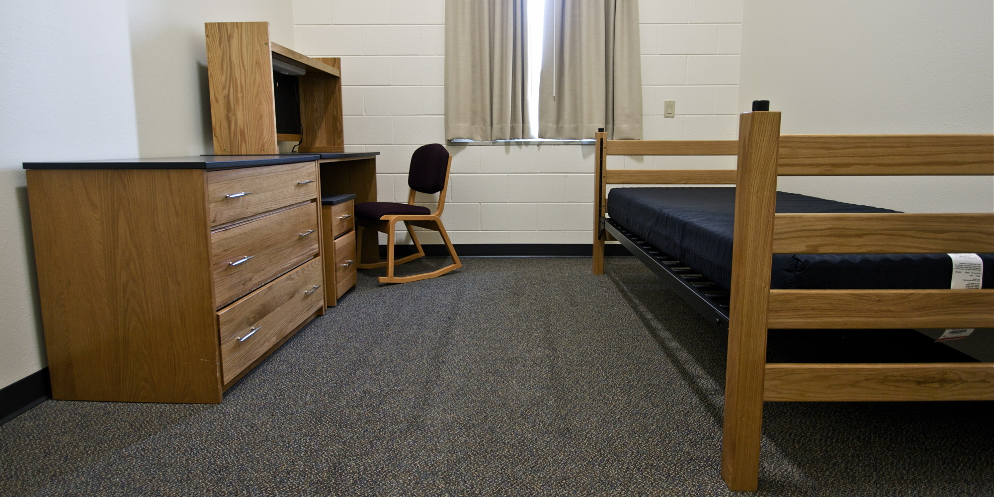 Dorms Help Give Two-Year Colleges A Four-Year Feel   HuffPost on Sierra College Dorms  id=87989