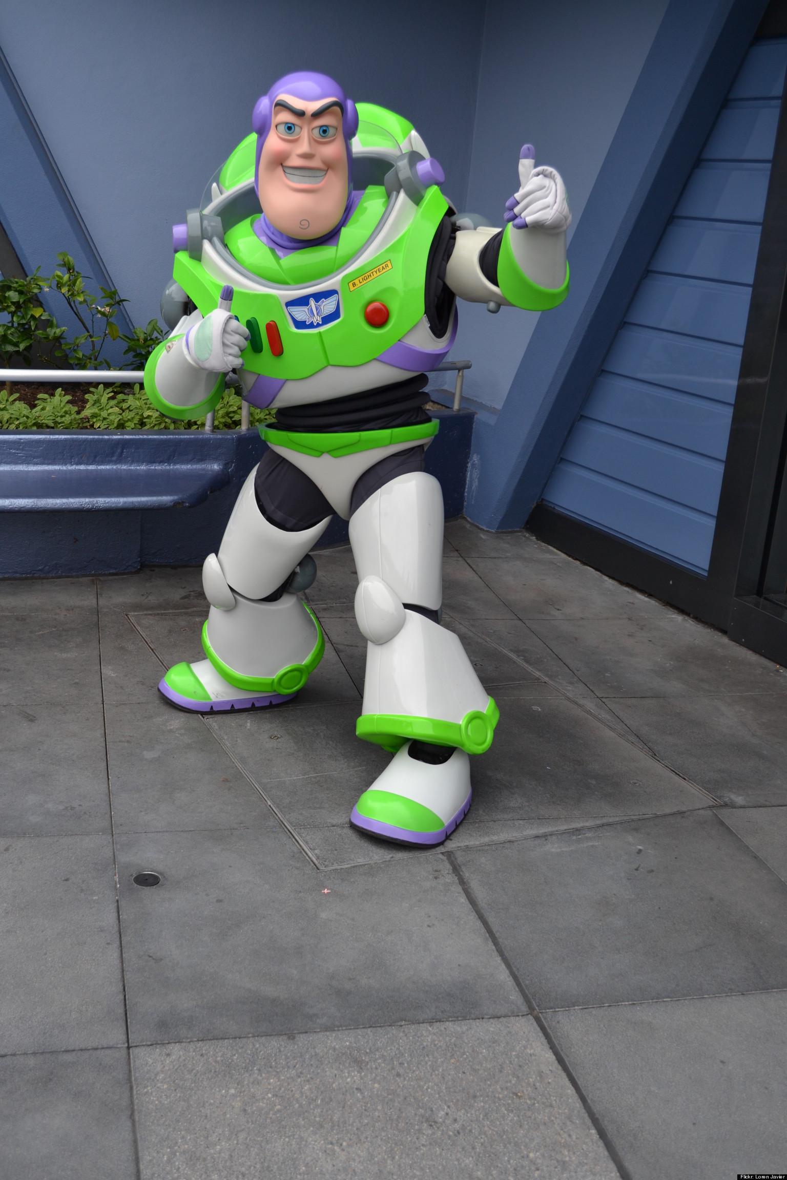 Nasa Z 1 Spacesuit Prototype Looks Like Buzz Lightyear S
