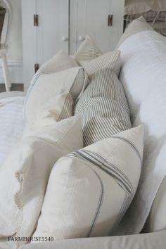 1000 Ideas About Sofa Pillows On Pinterest Kilim